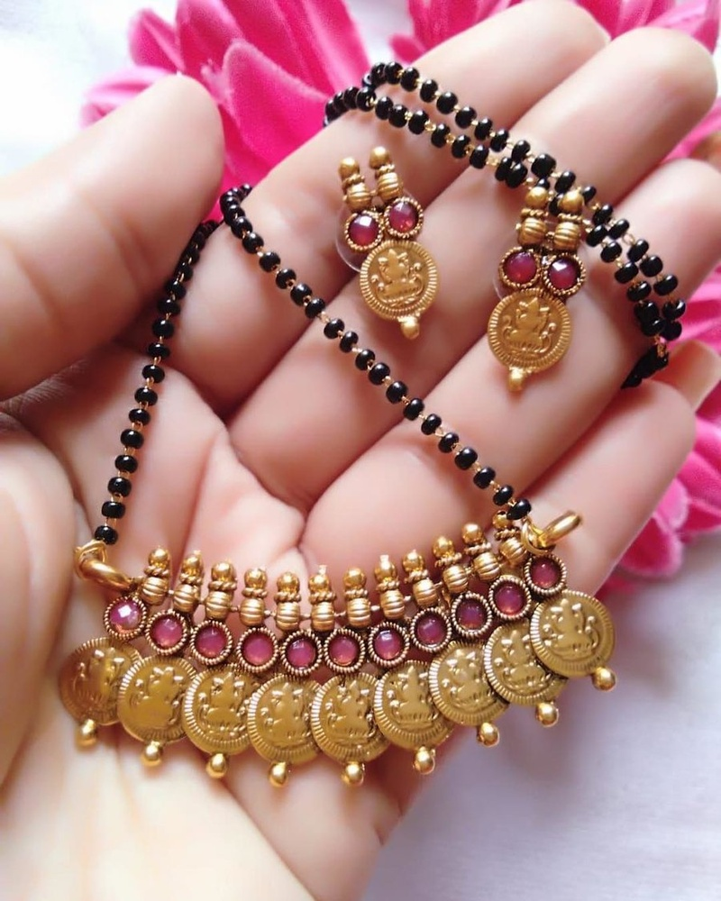 Mangalsutra Designs for the New Age Bride7
