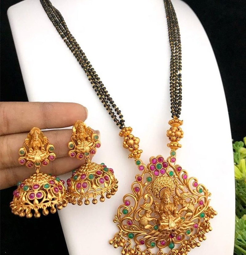 Mangalsutra Designs for the New Age Bride8