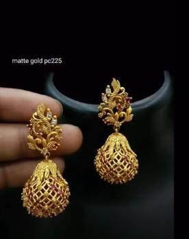 New Gold Daily Wear Earrings Patterns7