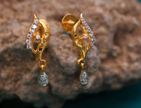 Top Stunning Light Weight Gold Stud Earrings17