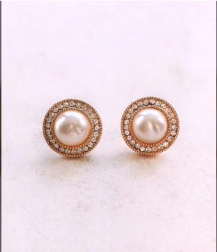 Top Stunning Light Weight Gold Stud Earrings24