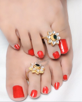 Designer Gold Plated and Silver Toe Rings15