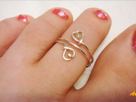 Designer Gold Plated and Silver Toe Rings2