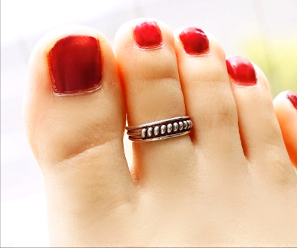 Designer Gold Plated and Silver Toe Rings20