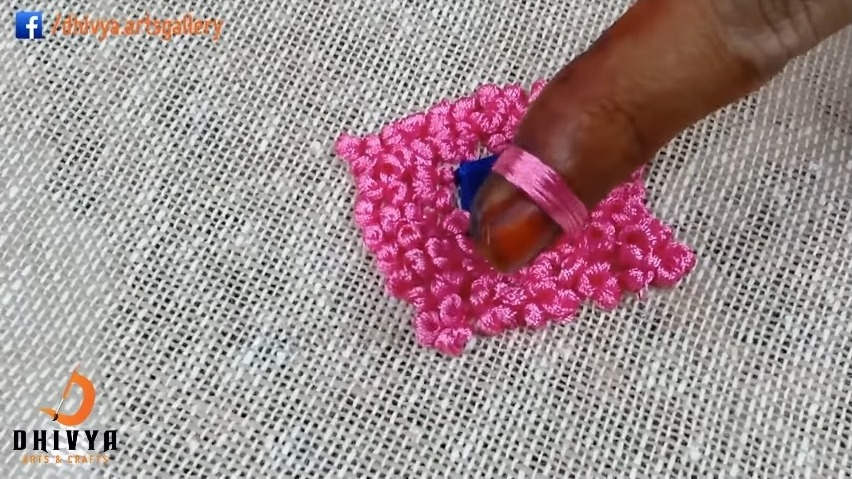 Embroidery Designs on Kurti-French Knot9