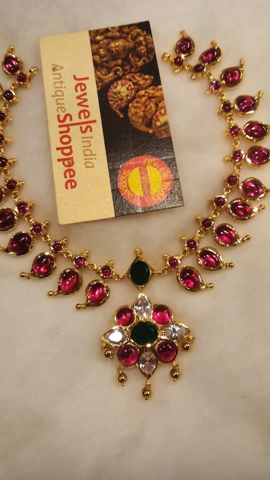 Classic Necklace Design