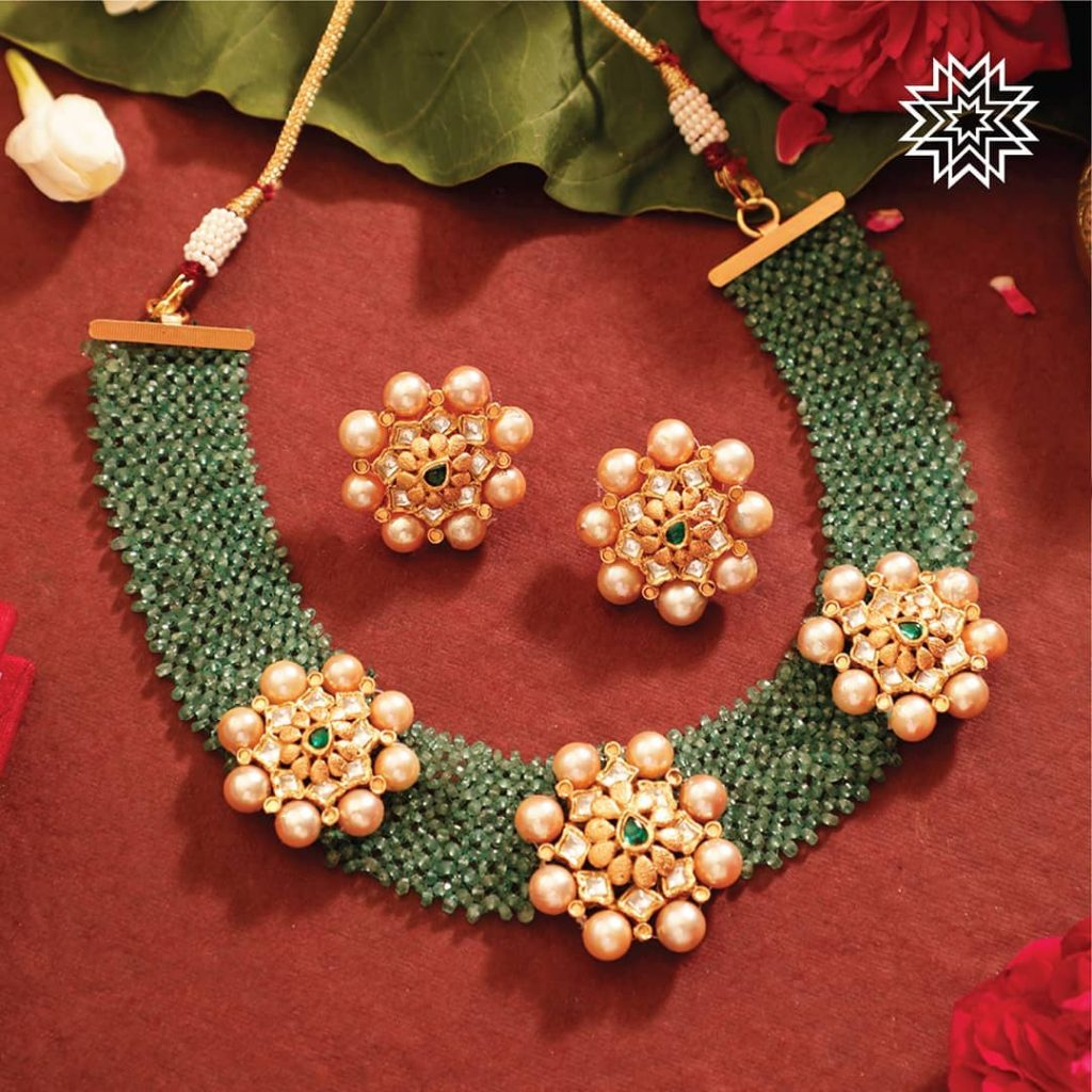 beautiful trendy necklace