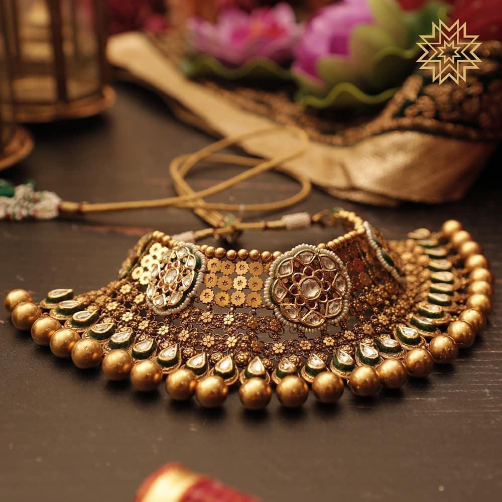 Cut-out Necklace Design