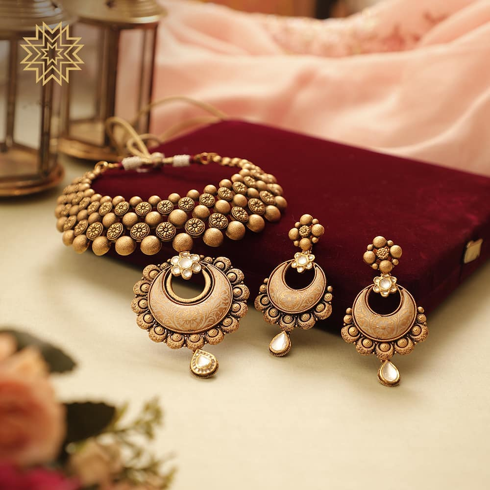 Trendy Necklace design