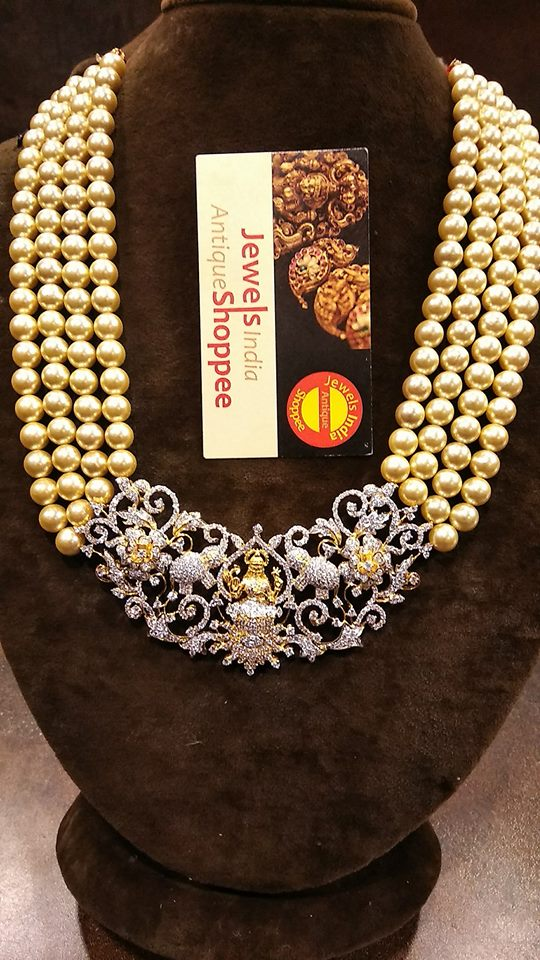 4 Strands Pearl Necklace