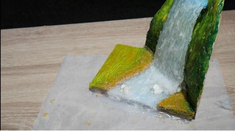 Hot Glue Waterfall Mini House14