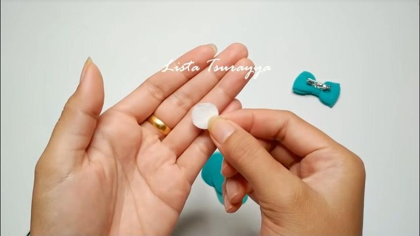 How to Make a Chiffon Fabric Flower with Pompom14