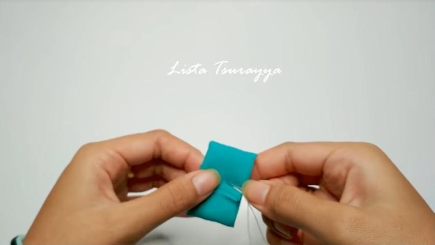 How to Make a Chiffon Fabric Flower with Pompom3