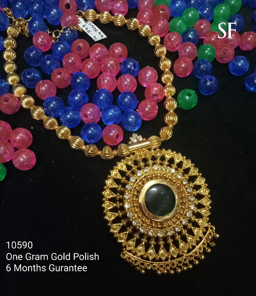 Stylish Gold Necklace Designs Collection8