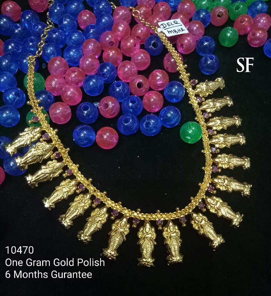 Stylish Gold Necklace Designs Collection9