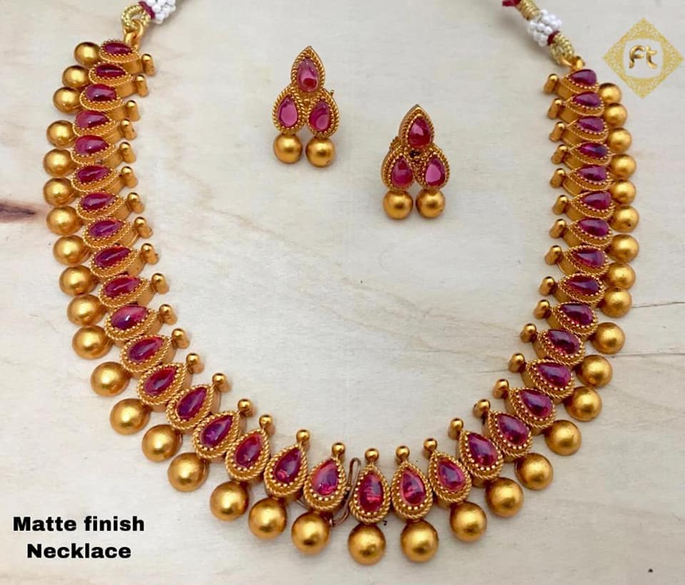 Stylish Gold Necklace Designs Collection1