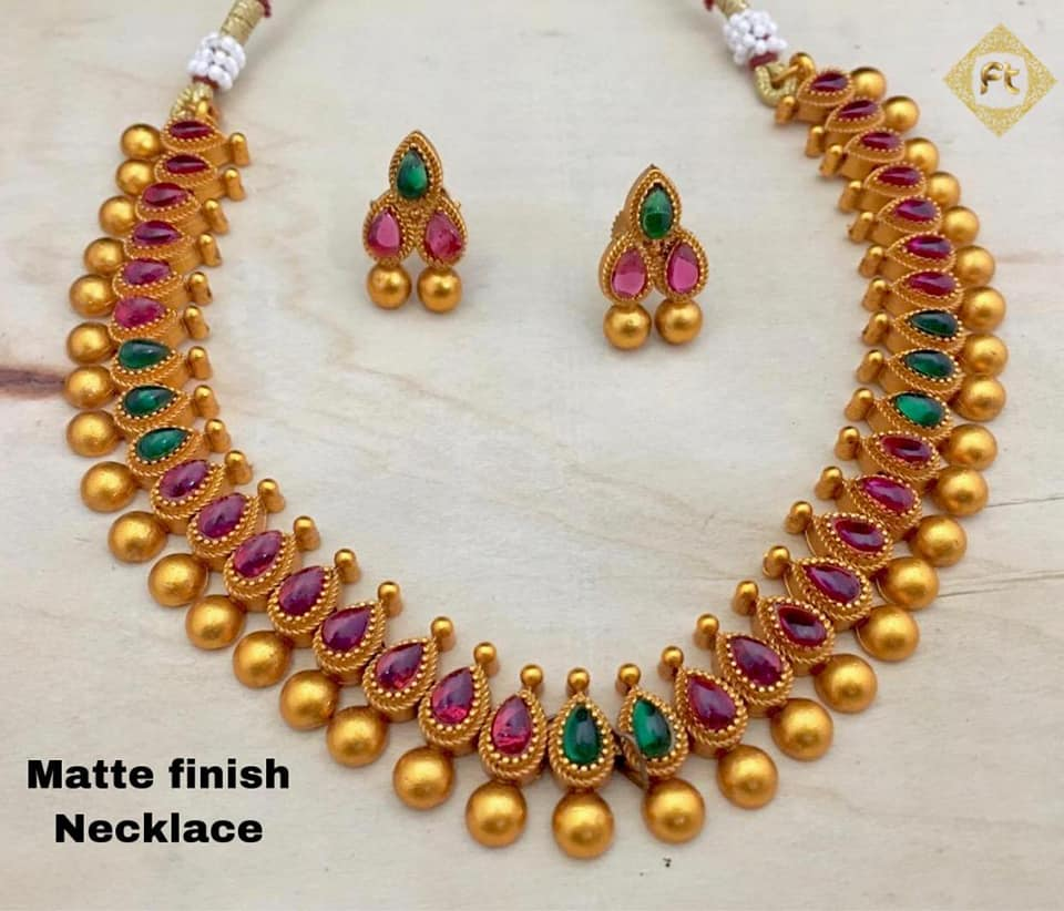 Stylish Gold Necklace Designs Collection3