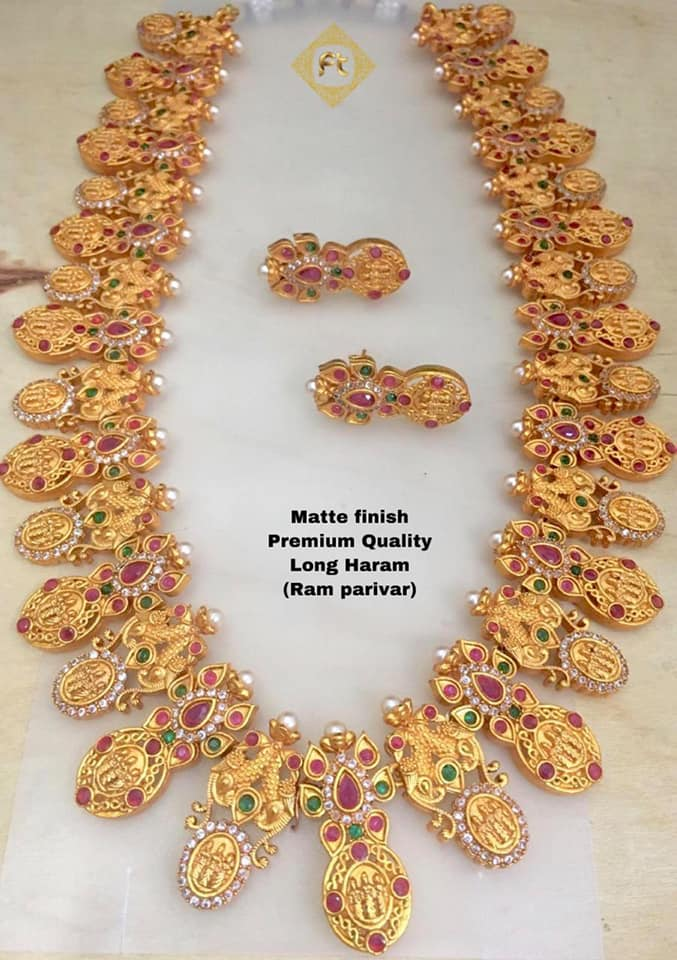 Stylish Gold Necklace Designs Collection4