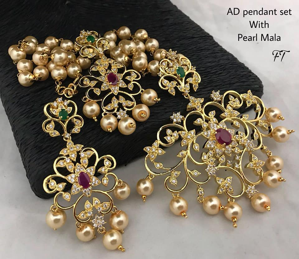 Stylish Gold Necklace Designs Collection5