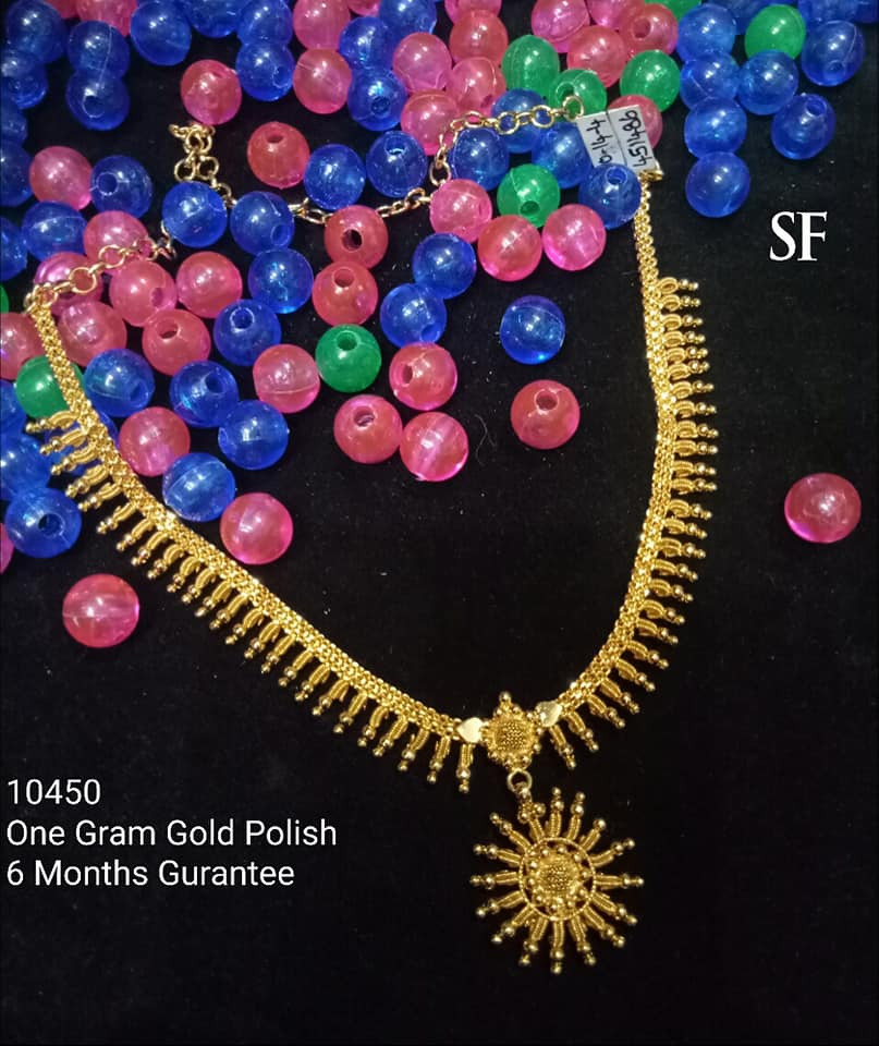 Stylish Gold Necklace Designs Collection6