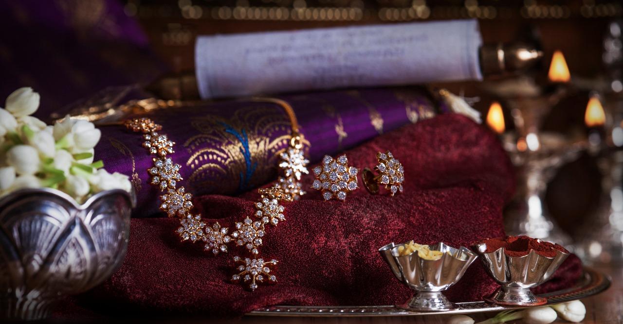 Ultra Gorgeous Diamond Necklace Designs7