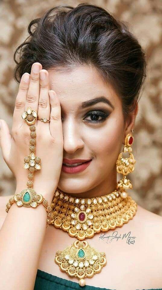 Bridal Gold Necklace Designs14