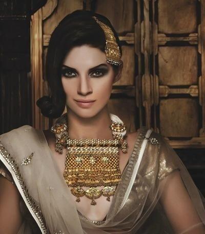 Bridal Gold Necklace Designs25