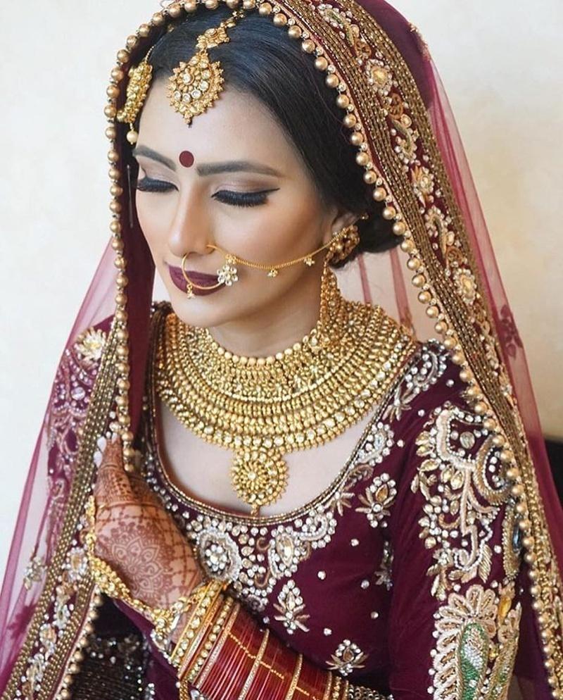 stunning Jodha Akbar style bridal gold necklace