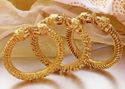 Gold Kappu Style Bangles
