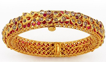 Uncut Bangle With Ruby Stones